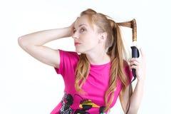 κατσαρώνοντας κορίτσι Στοκ εικόνα με δικαίωμα ελεύθερης χρήσης