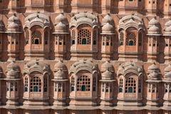 1799 κατωτέρω χτίζουν σχεδιασμένο το πόλη διακριτικό hawa Ινδία Jaipur μορφών harem το mahal μέρος παλατιών παρέχει η οδός κατοίκ Στοκ Εικόνα
