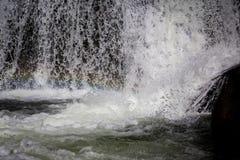 Κατώτατο σημείο ενός καταρράκτη, που στρέφεται αισθητά Στοκ εικόνα με δικαίωμα ελεύθερης χρήσης