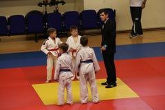 Κατώτεροι μαχητές Jitsu Jiu στο ρουμανικό πρωτάθλημα, νεώτεροι, το Μάιο του 2018 στοκ φωτογραφία