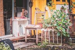 κατώφλι ενός εγκαταλειμμένου σπιτιού Στοκ Εικόνα