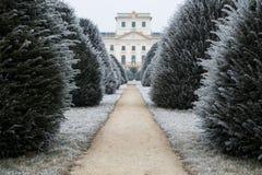 Κατώφλι κάστρων Esterhazy το χειμώνα με το βρώμικο δρόμο, Fertod Στοκ Εικόνα