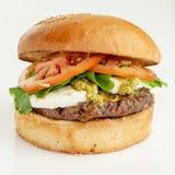 Κατ' οίκον γίνοντα burger στοκ εικόνες