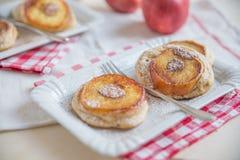 Κατ' οίκον γίνοντες τηγανίτες της Apple Στοκ Φωτογραφία