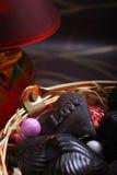 Κατ' οίκον γίνοντη διαμορφωμένη καρδιά σοκολάτα με την αγάπη Στοκ φωτογραφίες με δικαίωμα ελεύθερης χρήσης