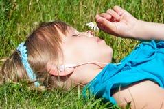καυκάσια μουσική ακούσ&mu στοκ φωτογραφία με δικαίωμα ελεύθερης χρήσης