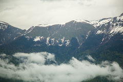 καυκάσιος σαφούς ημέρας highmountains βουνών Ρωσία ήλιος Οκτωβρίου Στοκ Εικόνες