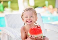 Καυκάσιο κορίτσι δύο χρονών στοκ εικόνες με δικαίωμα ελεύθερης χρήσης