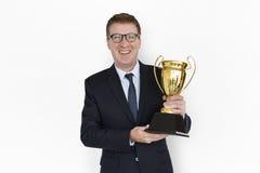 Καυκάσιο τρόπαιο βραβείων επιχειρησιακών ατόμων Στοκ εικόνα με δικαίωμα ελεύθερης χρήσης
