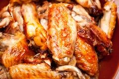 Καυτά και πικάντικα φτερά κοτόπουλου ύφους βούβαλων Στοκ Εικόνα