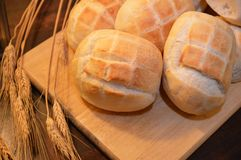 Καυτά τρόφιμα αρτοποιείων ψωμιού καφετιά Στοκ φωτογραφία με δικαίωμα ελεύθερης χρήσης