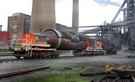 Καυτά υγρά αυτοκίνητα μεταφοράς σιδήρου γνωστά ως κουτάλες τορπιλών Στοκ Φωτογραφίες