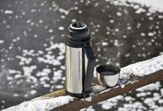καυτά thermos τσαγιού Στοκ Εικόνα