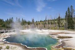Καυτή λίμνη στο εθνικό πάρκο Yellowstone Στοκ Εικόνες