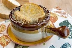 Καυτή γαλλική σούπα κρεμμυδιών Στοκ εικόνα με δικαίωμα ελεύθερης χρήσης