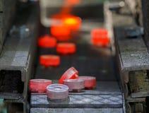 Καυτή γραμμή παραγωγής σφυρηλατημένων κομματιών εργαλείων χάλυβα Στοκ Εικόνα