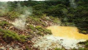 Καυτή λίμνη λάσπης Rincon de Λα Vieja στο National πάρκο απόθεμα βίντεο