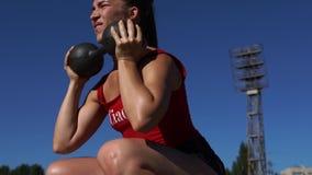 Καυτή προκλητική θηλυκή επίλυση ικανότητας απόθεμα βίντεο