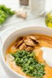 Καυτή σούπα κολοκύθας με το καρύκευμα στοκ φωτογραφία με δικαίωμα ελεύθερης χρήσης