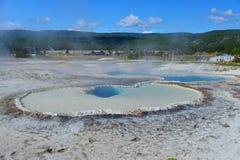 Καυτή geyser λίμνη στην παλαιά πιστή περιοχή Στοκ Φωτογραφίες