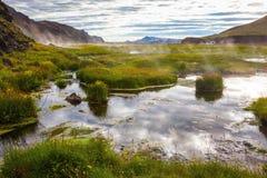 Καυτός ατμός πέρα από τα θερμικά νερά Στοκ Εικόνα