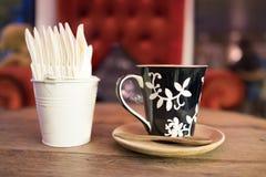 Καυτός καφές με το έγγραφο ιστού Στοκ φωτογραφία με δικαίωμα ελεύθερης χρήσης