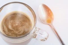 Καυτός καφές με το κουταλάκι του γλυκού Στοκ εικόνες με δικαίωμα ελεύθερης χρήσης