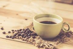 Καυτός μαύρος καφές αρώματος Στοκ εικόνες με δικαίωμα ελεύθερης χρήσης