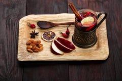 Καυτός χυμός φοινικόδεντρου στο ξύλο στοκ εικόνα με δικαίωμα ελεύθερης χρήσης