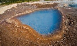 Καυτό ελατήριο κοντά geyser Stokkur Στοκ Εικόνα