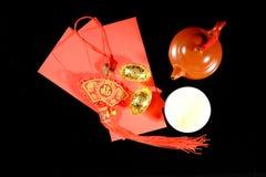 Καυτό κινεζικό τσάι και κόκκινο πακέτο Στοκ Φωτογραφία
