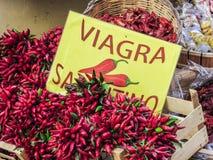 Καυτό κόκκινο πιπέρι σε μια αγορά Στοκ εικόνες με δικαίωμα ελεύθερης χρήσης