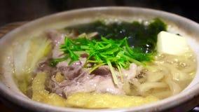 Καυτό δοχείο κρέατος, ιαπωνικά τρόφιμα, nabe ύφος sukiyaki απόθεμα βίντεο