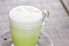 Καυτό πράσινο τσάι γάλακτος, πράσινο τσάι ή matcha Στοκ Εικόνες