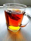 Καυτό τσάι στο mornimg Στοκ φωτογραφία με δικαίωμα ελεύθερης χρήσης