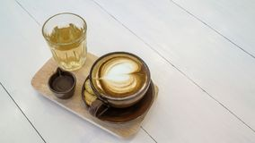 καυτό φλυτζάνι καφέ και καυτό τσάι Στοκ Φωτογραφία