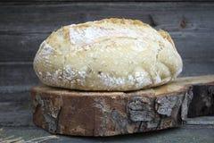 καυτό φρέσκο σπιτικό ψωμί Στοκ Φωτογραφία