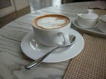 Καυτό Latte ερωτευμένο στοκ εικόνες με δικαίωμα ελεύθερης χρήσης
