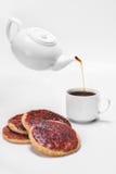 Καφές άνω πλευρών κέικ μαρμελάδας withblack Στοκ εικόνες με δικαίωμα ελεύθερης χρήσης