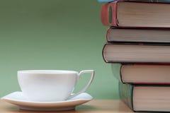 καφές βιβλίων Στοκ φωτογραφίες με δικαίωμα ελεύθερης χρήσης