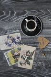 Καφές και κάρτες Στοκ Φωτογραφίες
