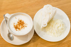 Καφές και κέικ στοκ εικόνα