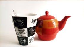 καφές και κατσαρόλα φλυτζανιών Στοκ φωτογραφία με δικαίωμα ελεύθερης χρήσης