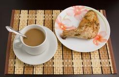 Καφές και κοτόπουλο Στοκ φωτογραφία με δικαίωμα ελεύθερης χρήσης