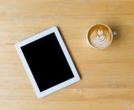 Καφές και πίνακας τέχνης φύλλων latte Στοκ Εικόνες