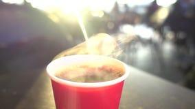 Καφές και πρωί, επιχείρηση, σε αργή κίνηση απόθεμα βίντεο