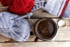 Καφές και πλέξιμο Στοκ Φωτογραφία
