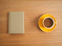 Καφές και σημειωματάριο Στοκ εικόνα με δικαίωμα ελεύθερης χρήσης
