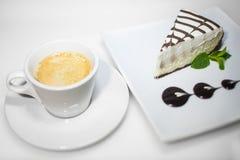 Καφές και cheesecake Στοκ εικόνες με δικαίωμα ελεύθερης χρήσης