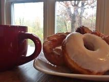 Καφές και doughnuts Στοκ εικόνες με δικαίωμα ελεύθερης χρήσης